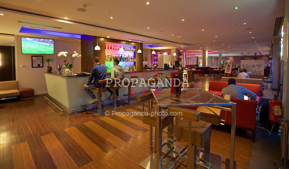 TOULOUSE, FRANCE - Monday, January 25, 2016: Bar and restaurant at the Radisson Blu Hotel Toulouse Airport during a Wales inspection visit ahead of the UEFA Euro 2016 Tournament. (Pic by David Rawcliffe/Propaganda)