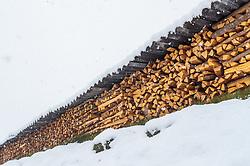 28.04.2017, Walchen, AUT, Wintereinbruch in Salzburg, im Bild gehacktes Brennholz auf einem Stapel im Schneefall // chopped firewood on a stack during heavy Snowfall in Walchen, Austria on 2017/04/28. EXPA Pictures © 2017, PhotoCredit: EXPA/ JFK