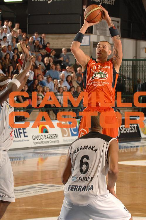 DESCRIZIONE : Ferrara Lega A2 2007-08 Final Four Coppa Italia Finale Fileni Jesi Carife Ferrara<br /> GIOCATORE : Michele Maggioli<br /> SQUADRA : Fileni Jesi<br /> EVENTO : Campionato Lega A2 2007-2008 <br /> GARA : Fileni Jesi Carife Ferrara<br /> DATA : 02/03/2008 <br /> CATEGORIA : Tiro<br /> SPORT : Pallacanestro <br /> AUTORE : Agenzia Ciamillo-Castoria/M.Gregolin