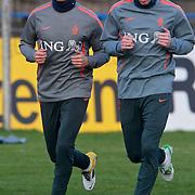 NLD/Katwijk/20110321 - Training Nederlandse Elftal Hongarije - NLD, Khalid Boularouz en Robin van Persie