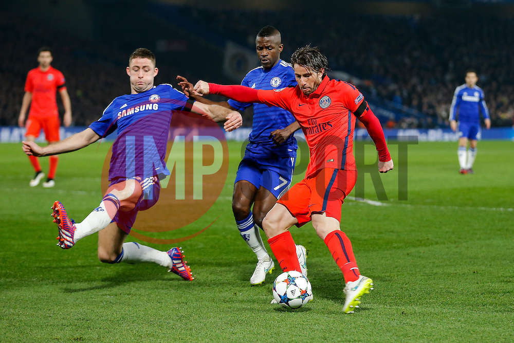 Maxwell of Paris Saint-Germain shoots - Photo mandatory by-line: Rogan Thomson/JMP - 07966 386802 - 11/03/2015 - SPORT - FOOTBALL - London, England - Stamford Bridge - Chelsea v Paris Saint-Germain - UEFA Champions League Round of 16 Second Leg.