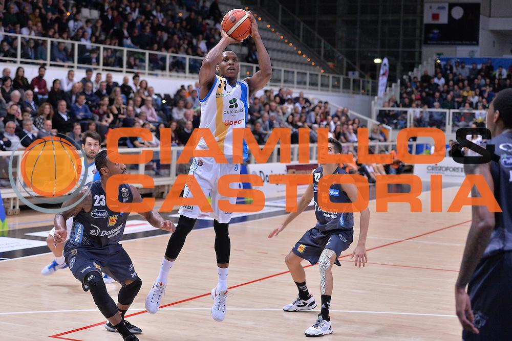 Dominique Archie<br /> Dolomiti Energia Trentino - Betaland Capo D'Orlando<br /> Lega Basket Serie A 2016/2017<br /> Venezia 23/10/2016<br /> Foto Ciamillo-Castoria