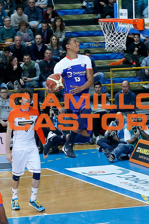 DESCRIZIONE : Verona Lega A 2014-15 All Star Game 2015 <br /> GIOCATORE : Josh Owens<br /> CATEGORIA : Schiacciata<br /> EVENTO : All Star Game Lega A 2015<br /> GARA : All Star Game Lega 2015<br /> DATA : 17/01/2015<br /> SPORT : Pallacanestro <br /> AUTORE : Agenzia Ciamillo-Castoria/G.Contessa<br /> Galleria : Lega A 2014-2015 <br /> Fotonotizia : Verona Lega A 2014-15 All Star game 2015