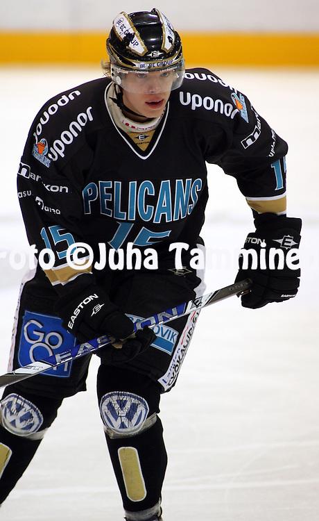 05.12.2009, Lahti..J??kiekon SM-liiga 2009-10.Pelicans - KalPa.Vili Sopanen - Pelicans.©Juha Tamminen.