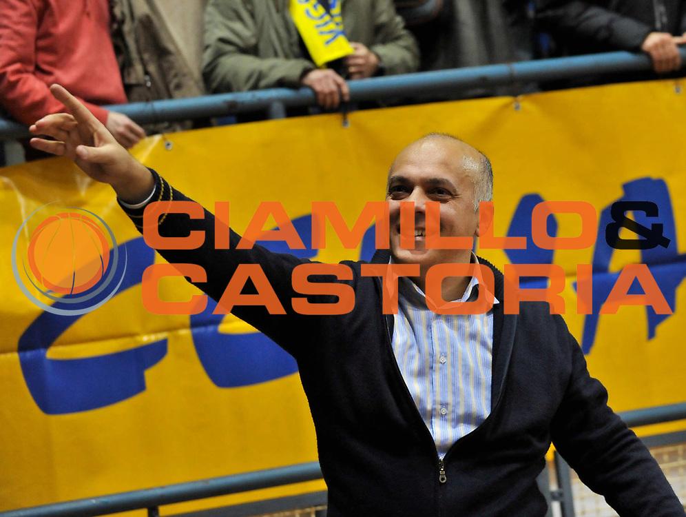 DESCRIZIONE : Novara Lega A2 2009-10 Campionato Miro Radici Fin. Vigevano - Riviera Solare Rimini<br /> GIOCATORE : Luigi Garelli<br /> SQUADRA : Miro Radici Fin. Vigevano<br /> EVENTO : Campionato Lega A2 2009-2010<br /> GARA : Miro Radici Fin. Vigevano Riviera Solare Rimini<br /> DATA : 13/12/2009<br /> CATEGORIA : Esultanza<br /> SPORT : Pallacanestro <br /> AUTORE : Agenzia Ciamillo-Castoria/D.Pescosolido