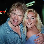 CD uitreiking Ruud Baja Beach Club, Ruud Bernard met Christine van der Horst