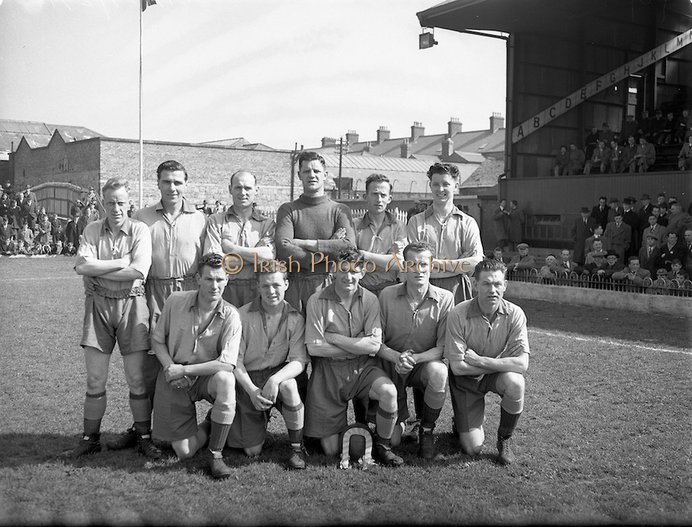 25/04/1954<br /> 04/25/1954<br /> 25 April 1954<br /> Soccer: FAI Cup Final, St.Patricks Athletic v Drumcondra at Dalymount Park. The Drumcondra Team.