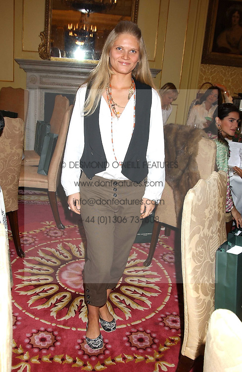ARABELLA TOBIAS at the CLIC Sargent's Yumy Mummy lunch held at The Lanesborough Hotel, Hyde Park Corner, London on 20th September 2005.<br />