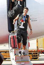 15.07.2014, Flughafen, München, GER, FIFA WM, Empfang der Weltmeister in Deutschland, Finale, im Bild Mats Hummels (Deutschland) kommt aus der Maschine // during Celebration of Team Germany for Champion of the FIFA Worldcup Brazil 2014 at the Flughafen in München, Germany on 2014/07/15. EXPA Pictures © 2014, PhotoCredit: EXPA/ Eibner-Pressefoto/ Kolbert<br /> <br /> *****ATTENTION - OUT of GER*****