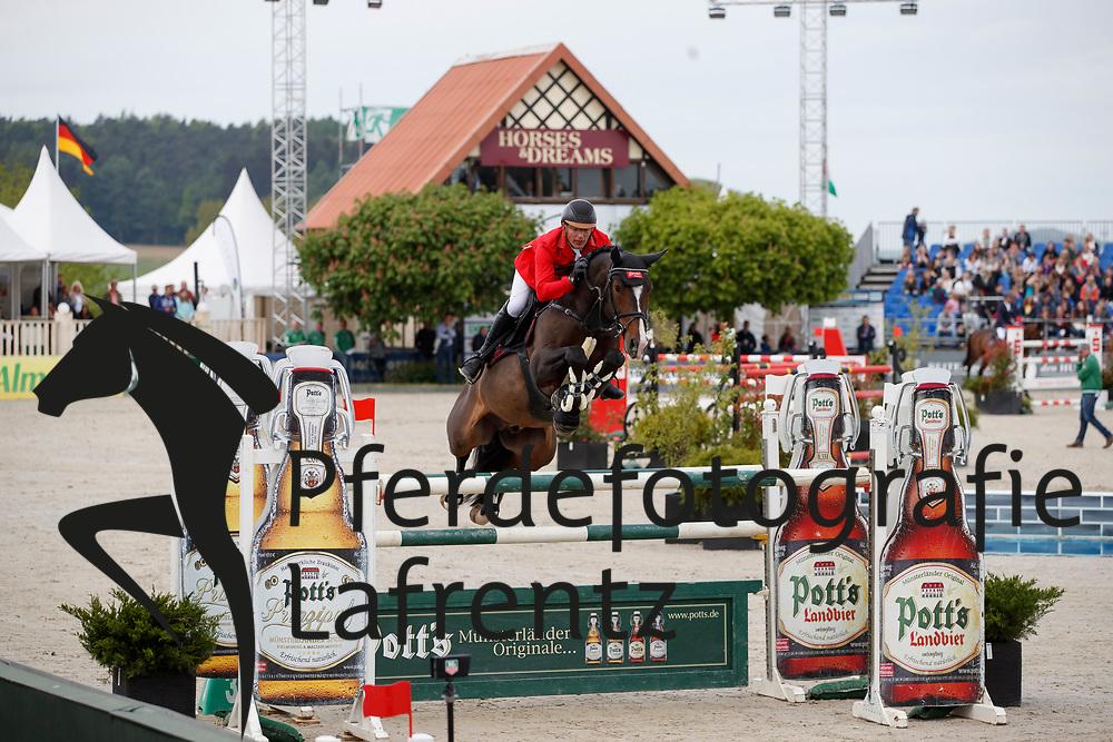 MEYER Tobias (GER), Special one<br /> Hagen - Horses and Dreams meets the Royal Kingdom of Jordan 2018<br /> Finale Mittlere Tour<br /> 29. April 2018<br /> www.sportfotos-lafrentz.de/Stefan Lafrentz