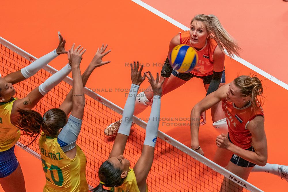 28-05-2019 NED: Volleyball Nations League Netherlands - Brazil, Apeldoorn<br /> <br /> Nika Daalderop #19 of Netherlands, Laura Dijkema #14 of Netherlands