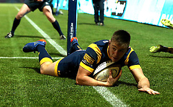 Josh Adams of Worcester Warriors scores a try - Mandatory by-line: Robbie Stephenson/JMP - 04/11/2016 - RUGBY - Sixways Stadium - Worcester, England - Worcester Warriors v Bristol Rugby - Anglo Welsh Cup
