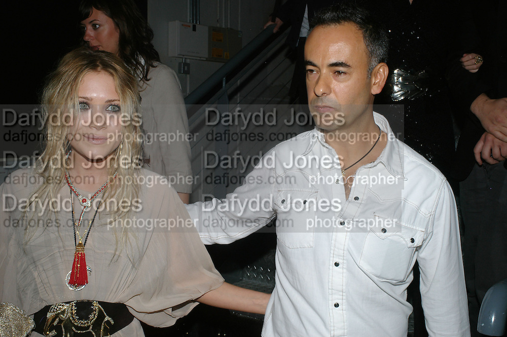 Mary Kate Olsen and Francisco Costa, Collaborative Presentation with artist Martin Creed of Calvin Klein's new collection at P3, Marylebone Road October 15, 2007 -DO NOT ARCHIVE-© Copyright Photograph by Dafydd Jones. 248 Clapham Rd. London SW9 0PZ. Tel 0207 820 0771. www.dafjones.com.