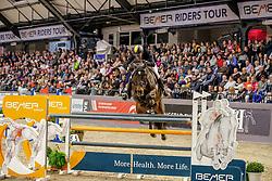 RUEDER Hans-Thorben (GER), Dakota 420<br /> Neumünster - VR Classics 2020<br /> Siegerehrung<br /> Preis der BEMER Int. AG<br /> CSI3* Internationale Weltranglisten-Springprüfung<br /> mit Stechen (1,50m)<br /> 15. Februar 2020<br /> © www.sportfotos-lafrentz.de/Stefan Lafrentz