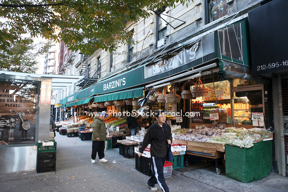 USA, New York City grocery store