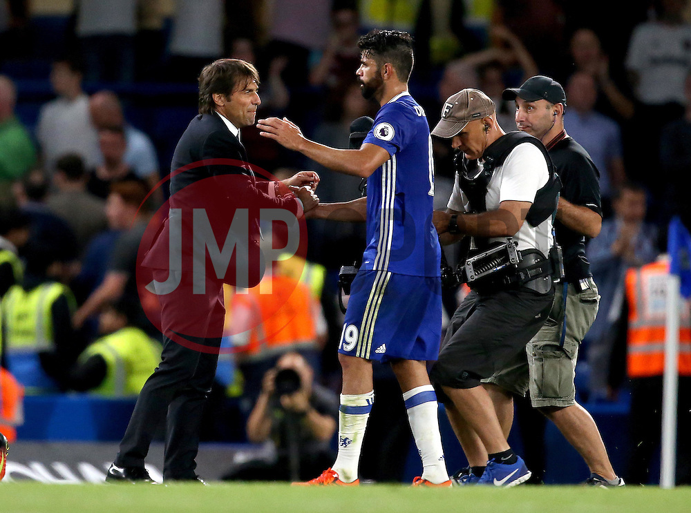 Chelsea manager Antonio Conte celebrates the win over West Ham United with match winner Diego Costa of Chelsea - Mandatory by-line: Robbie Stephenson/JMP - 15/08/2016 - FOOTBALL - Stamford Bridge - London, England - Chelsea v West Ham United - Premier League