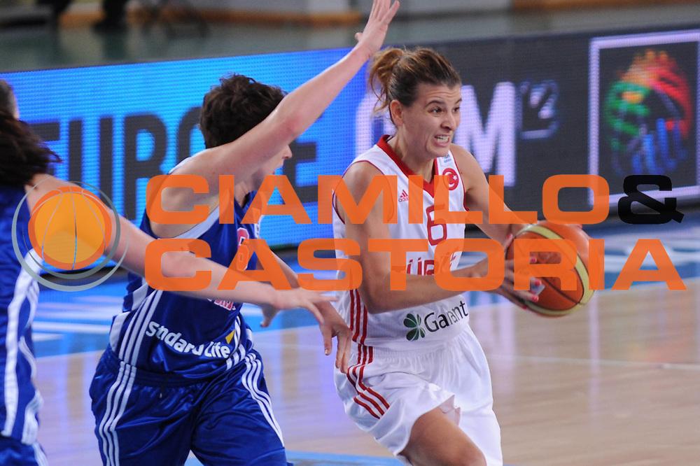 DESCRIZIONE : Bydgoszcz Poland Polonia Eurobasket Women 2011 Round 2 Gran Bretagna Turchia Great Britain Turkey<br /> GIOCATORE : Birsel Vardarli<br /> SQUADRA : Turchia Turkey<br /> EVENTO : Eurobasket Women 2011 Campionati Europei Donne 2011<br /> GARA : Gran Bretagna Turchia Great Britain Turkey<br /> DATA : 25/06/2011 <br /> CATEGORIA : <br /> SPORT : Pallacanestro <br /> AUTORE : Agenzia Ciamillo-Castoria/M.Marchi<br /> Galleria : Eurobasket Women 2011<br /> Fotonotizia : Bydgoszcz Poland Polonia Eurobasket Women 2011 Round 2 Gran Bretagna Turchia Great Britain Turkey<br /> Predefinita :