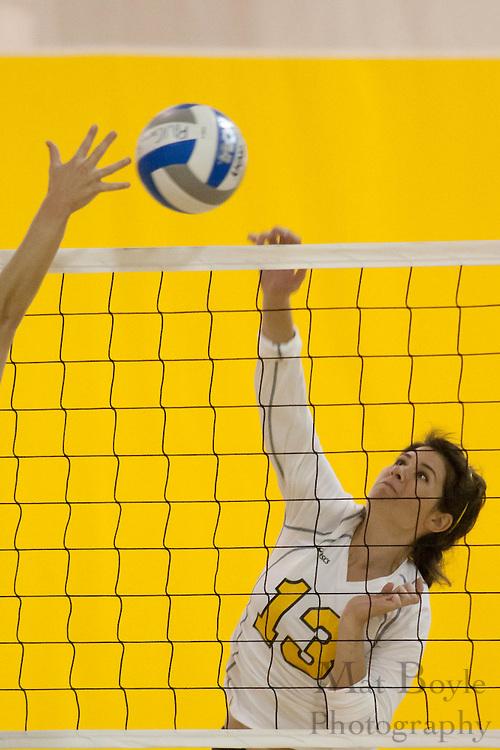 2010-09-16: Rowan Univeristy Volleyball defeats Gwynedd-Mercy College 3-0.