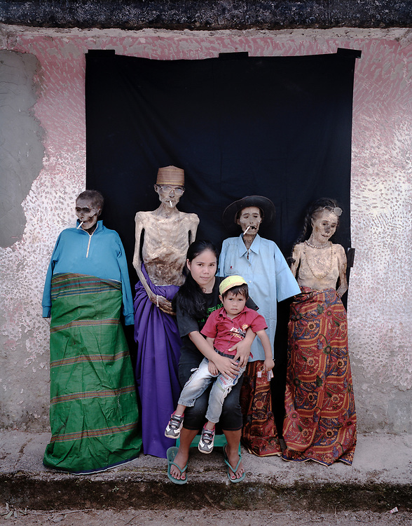 Lisuana Paseru family.<br />