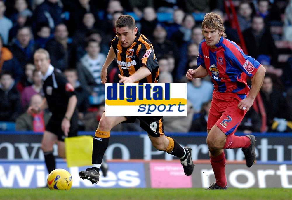 Photo: Alan Crowhurst.<br />Crystal Palace v Hull City. Coca Cola Championship. 20/01/2007. Hull's Nick Forster (L) on the attack.