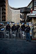 Roma 29 Novembre 2013<br /> Manifestazione  dei  Movimenti per il diritto all'abitare che manifestano per la strade della Garbatella fino alla Regione Lazio per chiedere misure per far fronte all'emergenza abitativa a Roma. La polizia in tenuta antisommossa davanti alla Regione Lazio