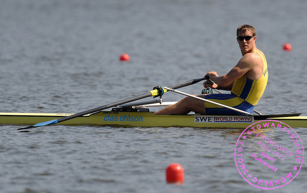 LASSI KARONEN (SWEDEN) COMPETES IN THE MEN'S SINGLE SCULLS REPECHAGE DURING DAY THREE OF REGATTA WORLD ROWING CHAMPIONSHIPS ON MALTA LAKE IN POZNAN, POLAND...POZNAN , POLAND , AUGUST 25, 2009..( PHOTO BY ADAM NURKIEWICZ / MEDIASPORT )..PICTURE ALSO AVAIBLE IN RAW OR TIFF FORMAT ON SPECIAL REQUEST.