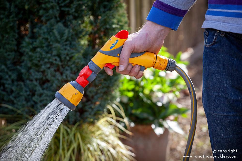 Ultratwist hand gun and sprinkler