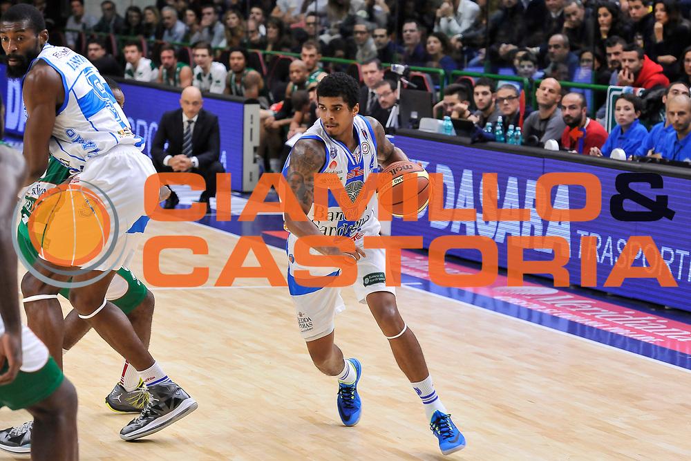 DESCRIZIONE : Campionato 2014/15 Dinamo Banco di Sardegna Sassari - Sidigas Scandone Avellino<br /> GIOCATORE : Edgar Sosa<br /> CATEGORIA : Palleggio<br /> SQUADRA : Dinamo Banco di Sardegna Sassari<br /> EVENTO : LegaBasket Serie A Beko 2014/2015<br /> GARA : Dinamo Banco di Sardegna Sassari - Sidigas Scandone Avellino<br /> DATA : 24/11/2014<br /> SPORT : Pallacanestro <br /> AUTORE : Agenzia Ciamillo-Castoria / Luigi Canu<br /> Galleria : LegaBasket Serie A Beko 2014/2015<br /> Fotonotizia : Campionato 2014/15 Dinamo Banco di Sardegna Sassari - Sidigas Scandone Avellino<br /> Predefinita :