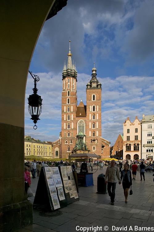 Rynek Glowny (main square), Mariaki Church (St Mary's Church), Krakow, Poland