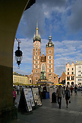 Rynek Glowny (main square), Mariaki Church (St Mary's Church), Krakow, Poland