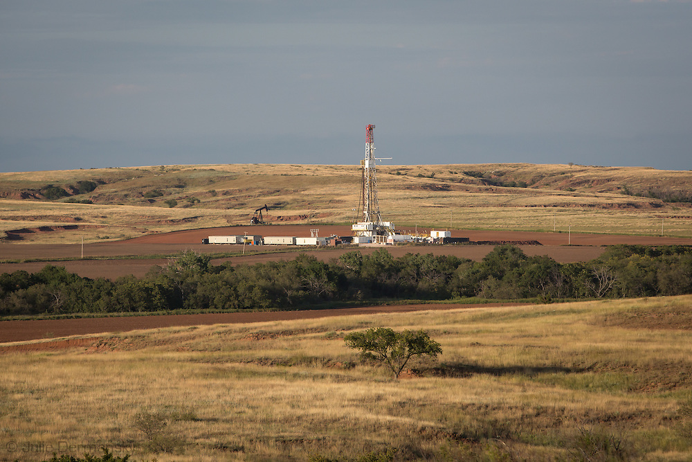 Driling rig in northwestern Oklahoma where the fracking industry is booming.