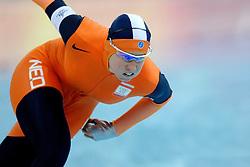 11-02-2006 SCHAATSEN: OLYMPISCHE WINTERSPELEN: 3000 METER DAMES: TORINO<br /> Renate Groenewold<br /> ©2006-WWW.FOTOHOOGENDOORN.NL
