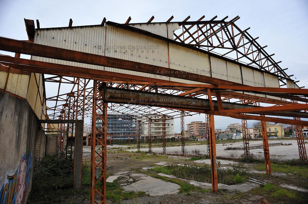 Cisterna (LT), 01/03/2013: Cisternino, azienda alimentare, stabilimento abbandonato a causa della crisi economica - Abandoned food company because of the economic crisis.