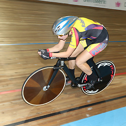 28-12-2014: Wielrennen: NK Baanwielrennen: Apeldoorn Winanda Spoor plaats zich met een derde tijd voor de finale