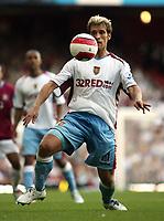 Photo: Chris Ratcliffe.<br /> West Ham United v Aston Villa. The Barclays Premiership. 10/09/2006.<br /> Stilian Petrov of Aston Villa.