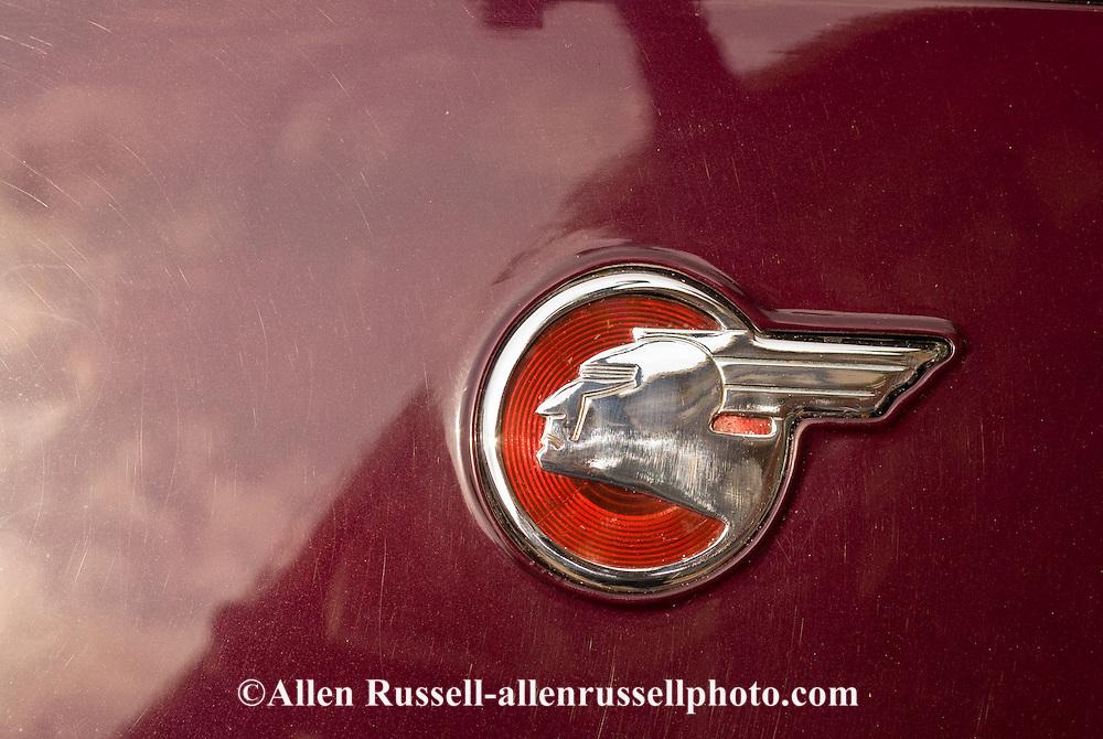 Pontiac automobile emblem