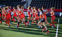 AMSTELVEEN - Warming up Oranje met  Fan of the Match  (Ned) voor de halve finale  Nederland-Duitsland van de Pro League hockeywedstrijd dames. COPYRIGHT KOEN SUYK