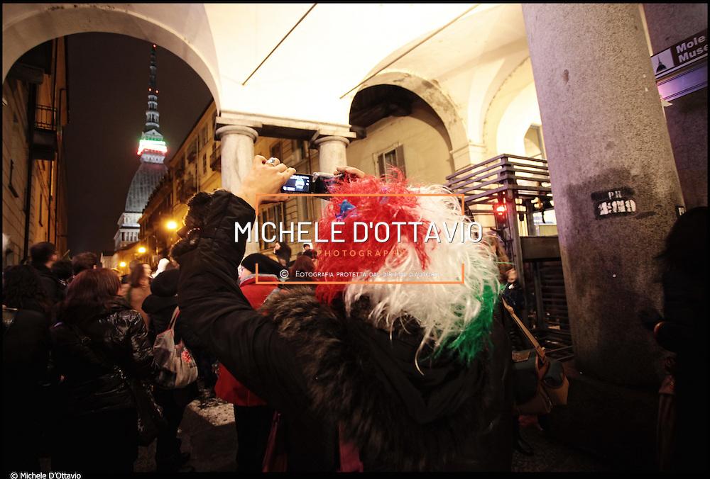 La Notte Tricolore per  le celebrazioni per il 150° dell'Unità di Italia grande festa in piazza Vittorio Veneto a Torino...nella foto la Mole Antonelliana cinta da una collana bianca, rossa e verde.