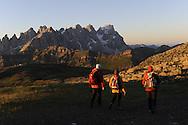 I Suoni delle Dolomiti, l'Alba al passo San Pellegrino col Margherita con Moni Ovadia,con le Pale di San Martino sullo Sfondo, 31 luglio 2010 © foto Daniele Mosna