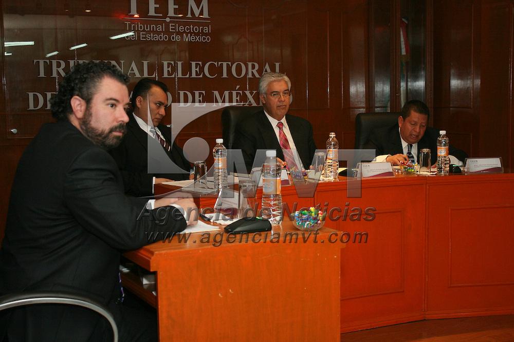 Toluca, México.- Los magistrados del Tribunal Electoral del Estado de México resolvió a favor del IEEM diez medios de impugnación interpuestos por los partidos  del PRD, Movimiento Ciudadano y PRI, en su mayoría derivados del presunto uso ilegal de propaganda política.  Agencia MVT / José Hernández