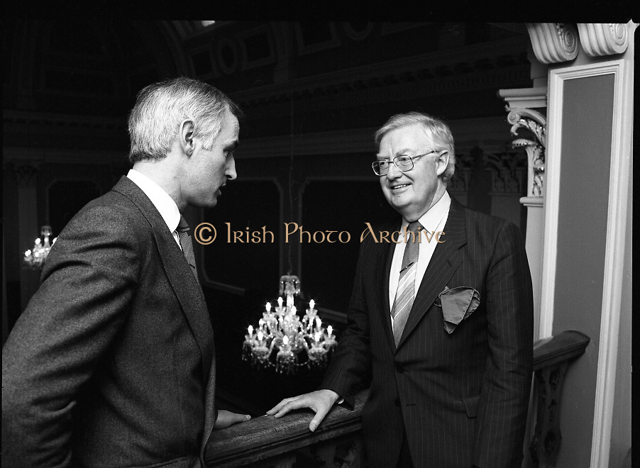 Mr Angus McDonnell (left), President of the Stock Exchange and Mr Owen Kealy, Managing Director, Waterford Glass Group visiting the Stock Exchange to view the newly installed chandeliers.<br />