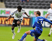 Fotball, tippeligaen, Rosenborg ( RBK ) - Haugesund,<br />  Anthony Annan stoppes av Trygve Nygaard,<br /> Foto: Carl-Erik Eriksson, Digitalsport