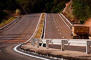 Nova lima_MG, Brasil...Rodovia entre Nova Lima e Morro do Chapeu que se liga a BR-040...The highway between Nova Lima and Morro do Chapeu that binds the BR-040...Foto: BRUNO MAGALHAES / NITRO