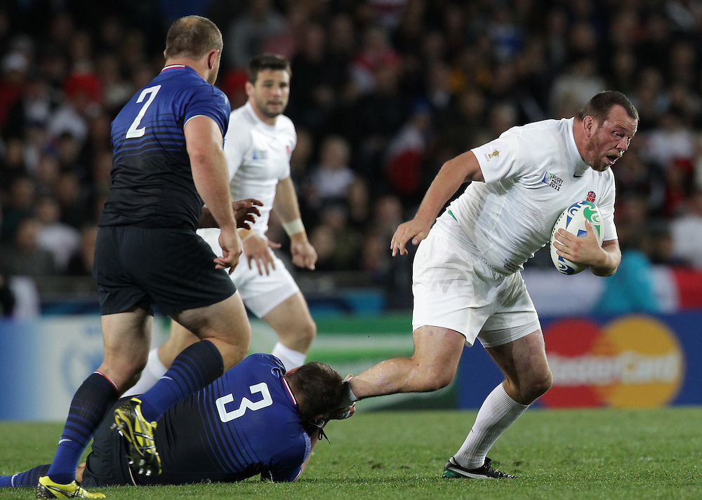 England's Steve Thompson has his leg caught by France's Nicolas Mas during quarter-final 2 match of the Rugby World Cup 2011, Eden Park, Auckland, New Zealand, Saturday, October 08, 2011.  Credit:SNPA / David Rowland