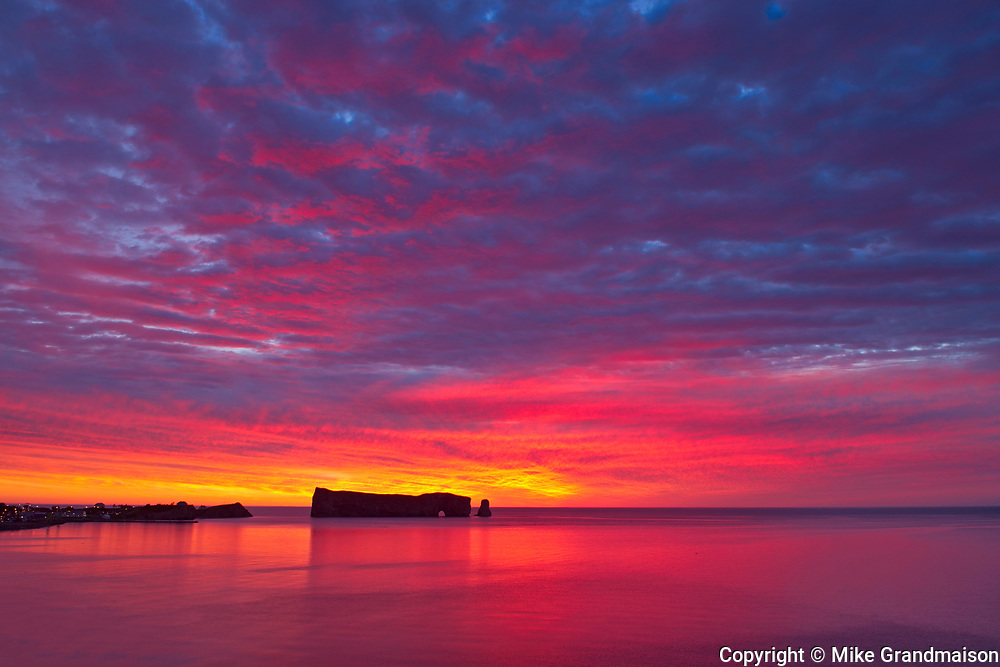 Le Rocher Percé or Percé Rock in the Atlantic Ocean at sunrise<br />