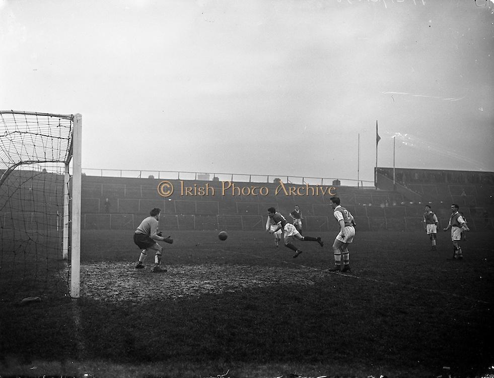 22/02/1958<br /> 02/22/1958<br /> 22 February 1958<br /> Soccer: League of Ireland Cork Hibernians v St. Patricks Athletic at Dalymount Park, Dublin.