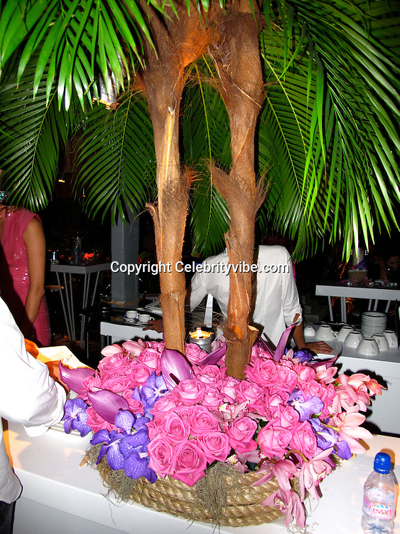 **EXCLUSIVE**.Atmosphere..Roman Abramovich New Year's Eve Party with Special Performance by Gwen Stefanie. .Tent at Governour Beach..St Barth, Caribbean..Thursday, December 31, 2009..Photo By Celebrityvibe.com.To license this image please call (212) 410 5354; or Email: celebrityvibe@gmail.com ; .website: www.celebrityvibe.com.