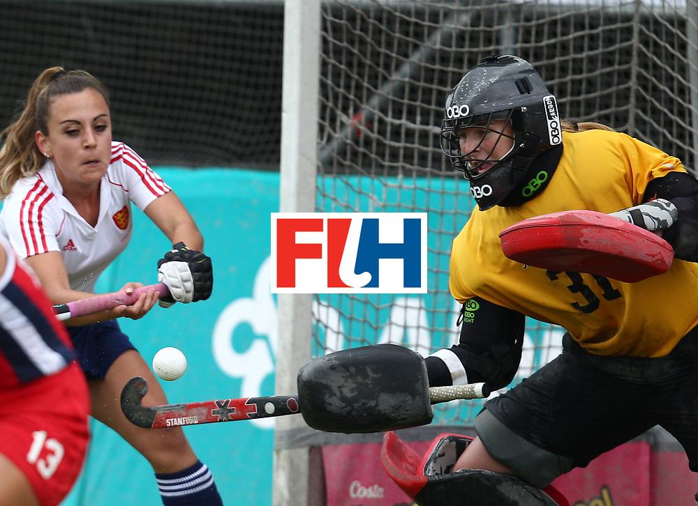 SANTIAGO - 2016 8th Women's Hockey Junior World Cup.<br /> 39 ENG v USA (7 / 8 Place)<br /> foto:  BING Kelsey (GoalKeeper) - CAILLARD Alicia (left white)<br /> FFU PRESS AGENCY COPYRIGHT RODRIGO JARAMILLO