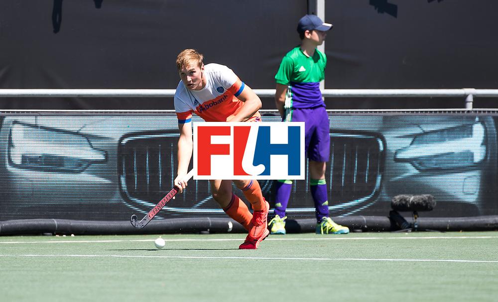 BREDA -Floris Wortelboer (Ned) met Volvo   tijdens de wedstrijd om brons tussen Nederland en Argentinie bij de Hockey Champions Trophy.  COPYRIGHT KOEN SUYK