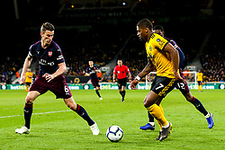 Ivan Cavaleiro of Wolverhampton Wanderers takes on Laurent Koscielny of Arsenal - Mandatory by-line: Robbie Stephenson/JMP - 24/04/2019 - FOOTBALL - Molineux - Wolverhampton, England - Wolverhampton Wanderers v Arsenal - Premier League
